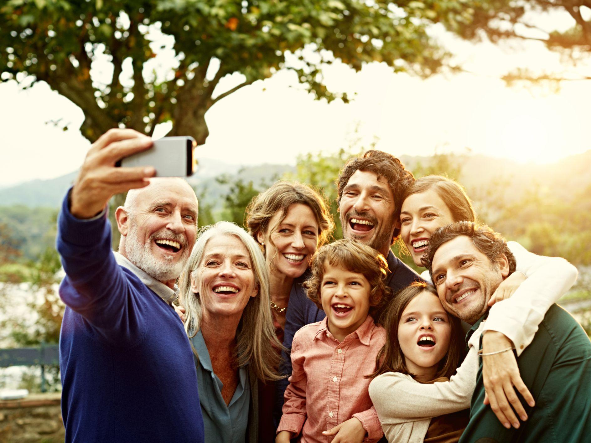 Những câu tiếng Anh giao tiếp chủ đề gia đình